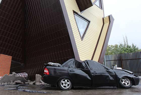 Волгоградский «перевертыш» раздавил машину