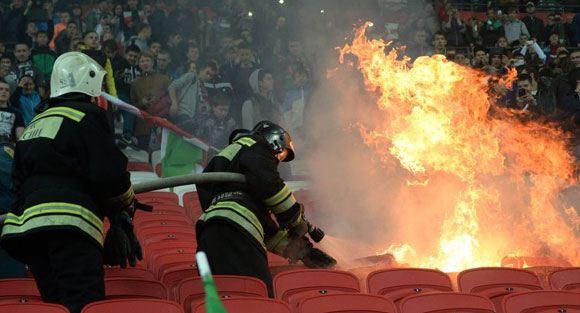 В Казани в связи с пожаром на матче задержаны сотни фанатов «Рубина»