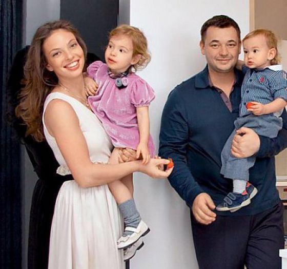 У солиста «Руки вверх» Сергея Жукова родился четвертый ребенок – сын