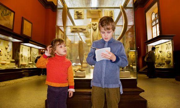 Мединский предлагает ввести обязательные уроки истории в музеях