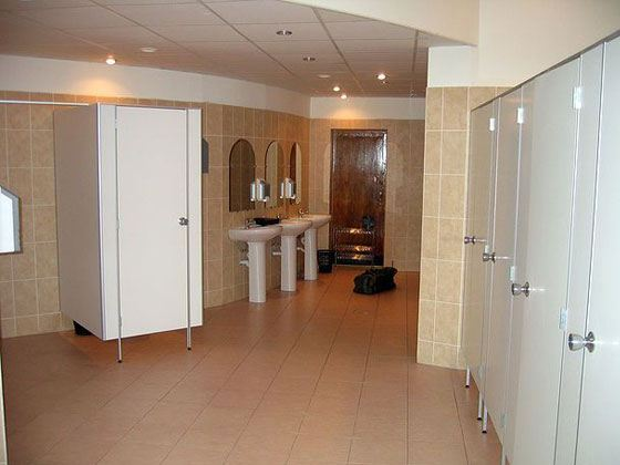 kamera-v-ofisnom-tualete