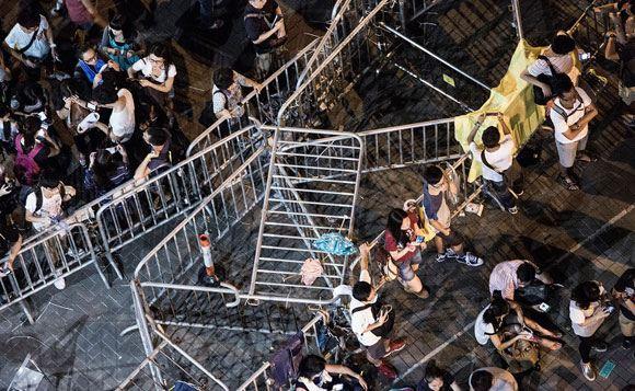 Гонконгские протестующие пошли на небольшие уступки полиции