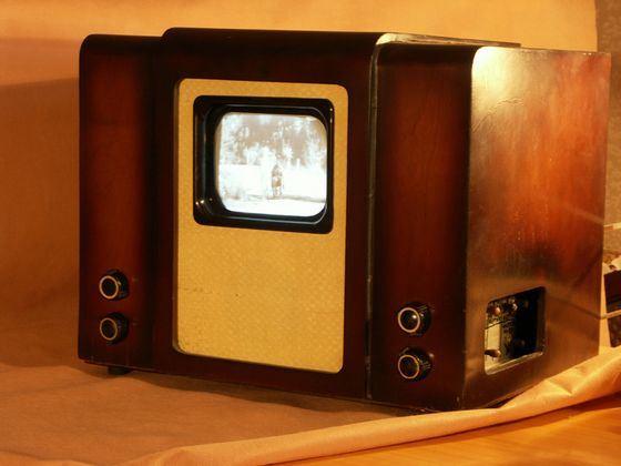 Розыгрыш с черно-белым телевизором коснулся каждого швейцарца