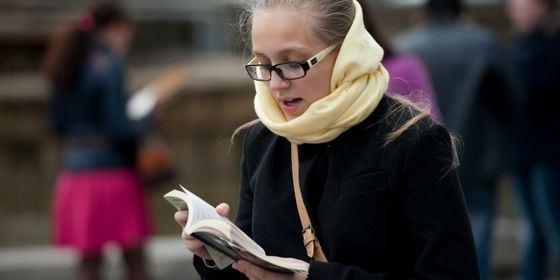 Флешмоб «Живая библиотека» в Новосибирске