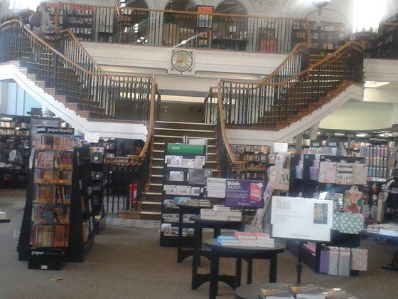 Waterstone�s store - ����� ������� � ������ ������� �������