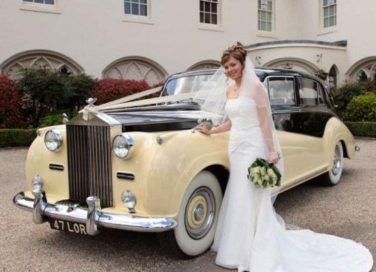 Уникальный автомобиль украсит свадебное торжество