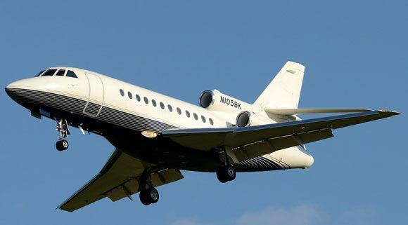 Французский самолет Dassault Falcon 50