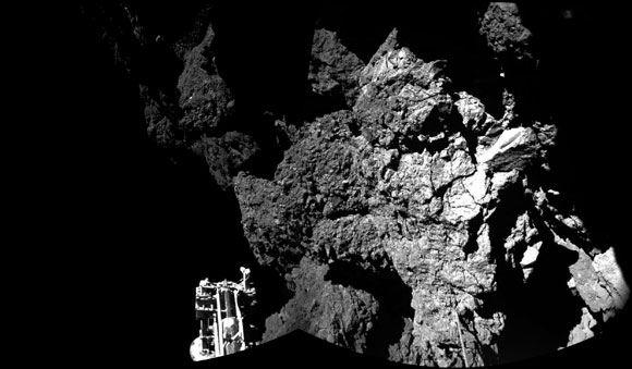 Снимки поверхности кометы Чурюмова-Герасименко