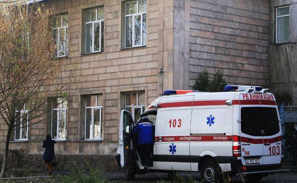 Один человек погиб и 12 пострадали в результате взрыва в алма-атинском колледже