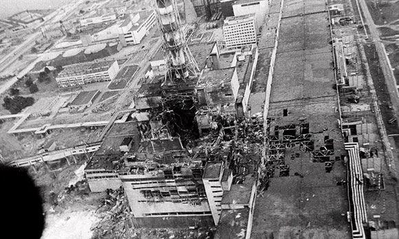 Чернобыльская АЭС после взрыва энергоблока