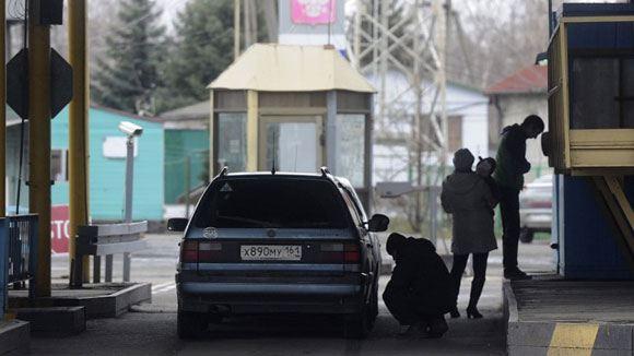 Белоруссия заявляет, что ее таможенные посты работают как обычно