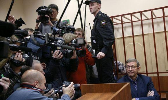Vladimir Yevtushenkov in the courtroom
