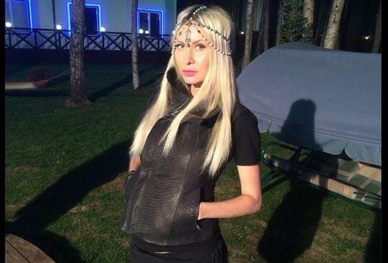 Элина Карякина попала в реанимацию после родов