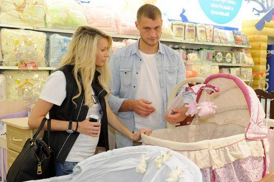 ВКонтакте появилась страничка новорожденной дочки Элины Корякиной