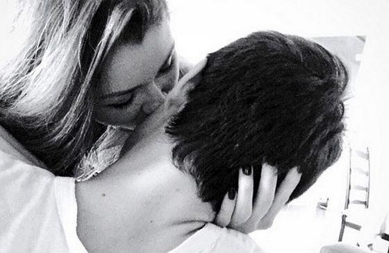 Анна Заворотнюк показала поцелуй с новым парнем