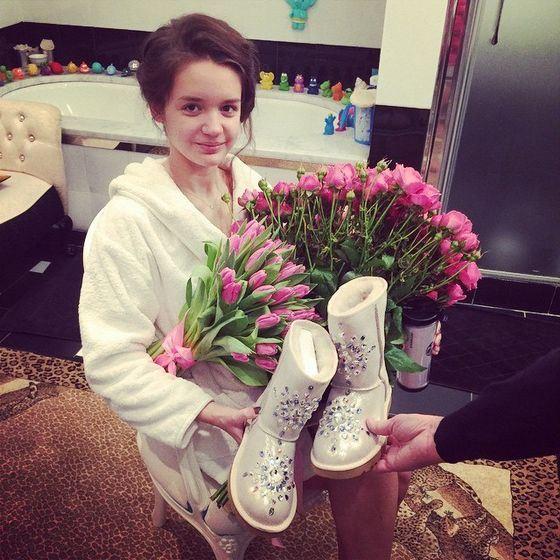 Александра получила много подарков