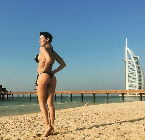 Даша Астафьева похвасталась шикарной фигурой в Дубаи