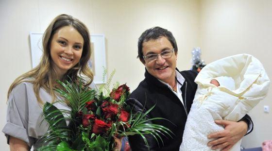 Дмитрий Дибров рассказал о беременности супруги