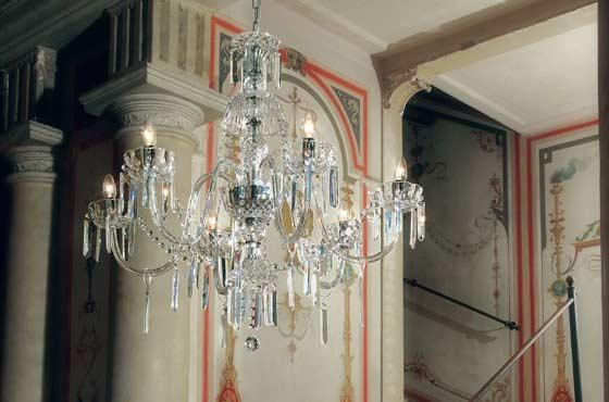 Хрустальная люстра Masiero сочетает в себе утонченность формы и красоту венецианского стекла