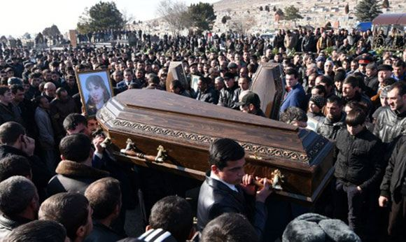 Похороны убитых членов семьи Аветисян
