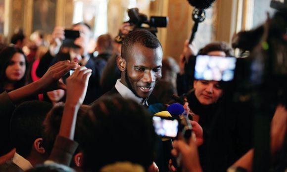 Герой Франции малиец Лассана Батили получил французское гражданство