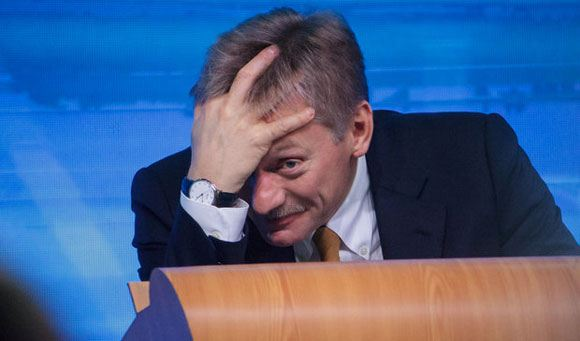 Дмитрий Песков: Запад пытается придушить Россию
