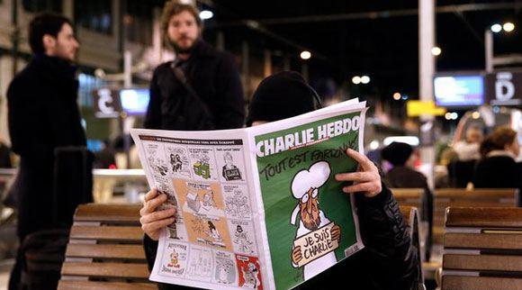 Новый выпуск сатирического журнала Charlie Hebdo откладывается