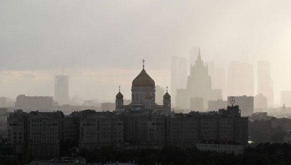 Специалисты МЧС начали брать пробы воздуха во всех округах Москвы