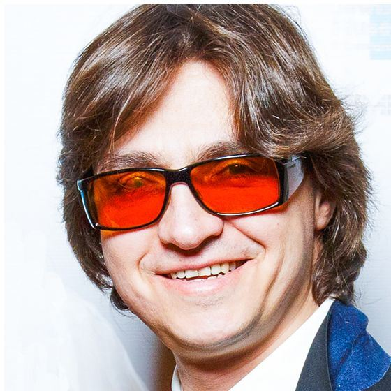 Сергей Филин показал глаза после 20 операций