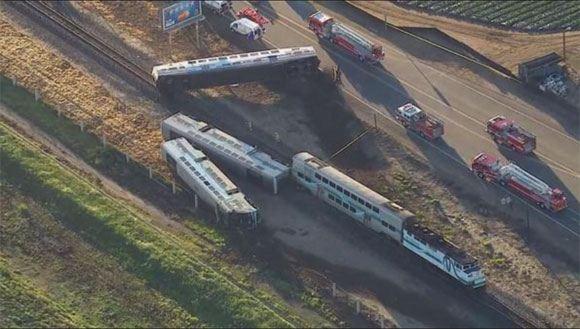 Столкновение поездов в калифорнии