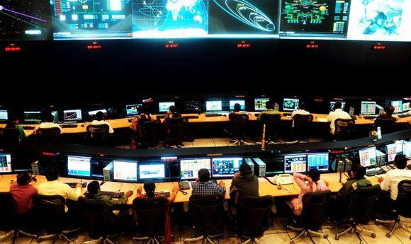 Роскосмос: Россия начнет отправлять на Луну пилотируемые аппараты