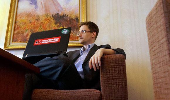 Беглый сотрудник АНБ и ЦРУ Эдвард Сноуден