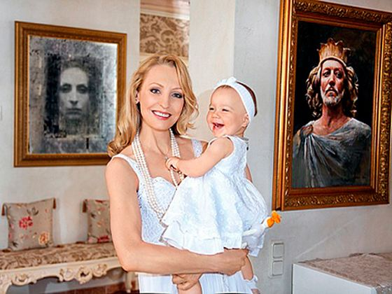 In the photo: Ilze Liepa and her daughter