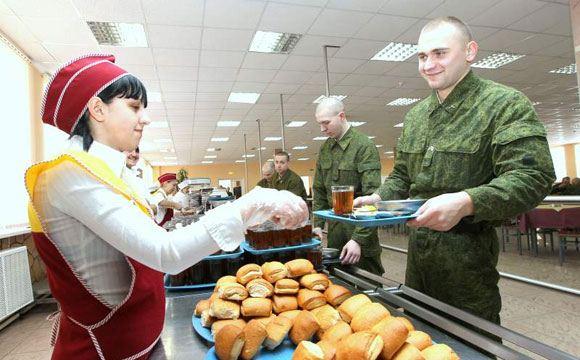 В российских воинских частях будут выдавать еду по отпечаткам пальцев