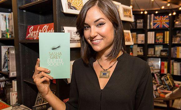 В России выпустили роман Саши Грей «Общество Жюльетты»
