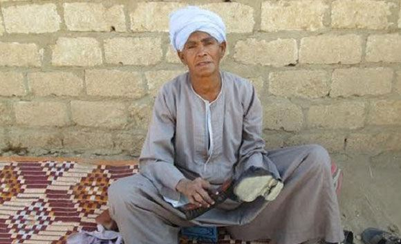 Египтянка 43 года работала, притворяясь мужчиной, чтобы прокормить детей
