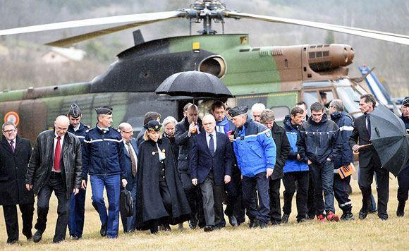 Глава МВД Франции прибыл к месту гибели самолета компании Germanwings
