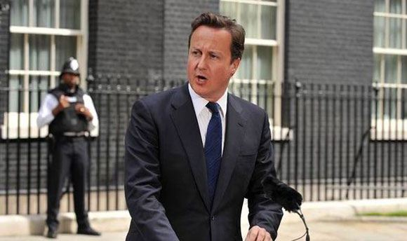 Дэвид Кэмерон снова обещает снизить число въезжающих в Великобританию мигрантов