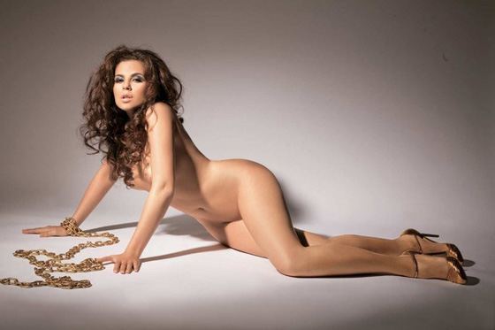 дівчата з голим тілом