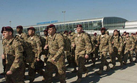 Прибывшие на Украину солдаты 173-й воздушно-десантной бригады армии США