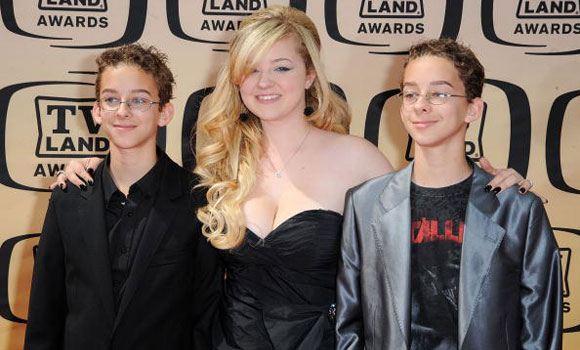 Сойер Свитен с сестрой и братом