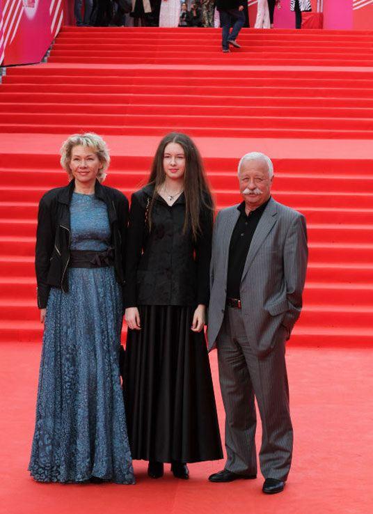 Леонид Якубович вместе с супругой и дочерью