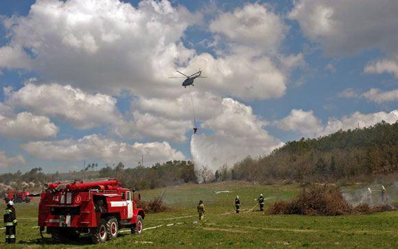 В Свердловской области продолжают тушить пожар, начавшийся из-за пала травы