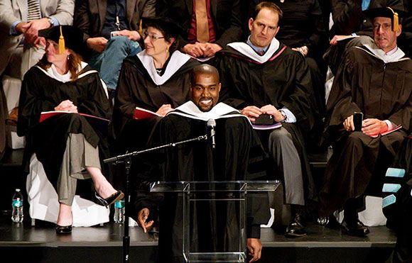 Канье Уэст удостоился степени доктора искусств Чикагского института искусств