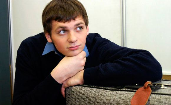 СМИ: Актер Алексей Янин вышел из комы