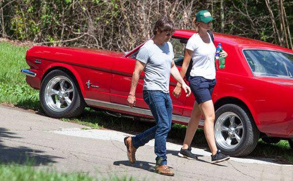 Том Круз и его новая подружка Эмили