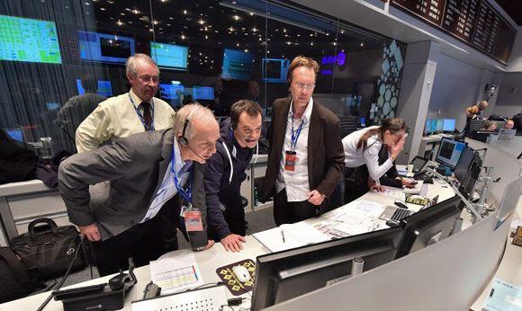 Зонд Philae вышел на связь с поверхности кометы Чурюмова-Герасименко