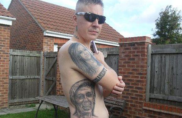 Британец, набивший почти три десятка тату, посвященных Майли Сайрус, хочет их свести
