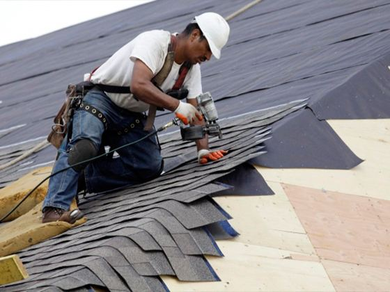 Гибкая черепица на сегодняшний день один из самых распространенных материалов, применяемых для устройства крыш