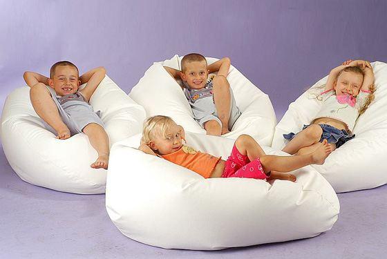 Мягкую мебель очень любят дети